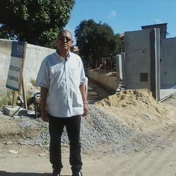Square dilson  de   camisa  branca   no  valao  foto   vila